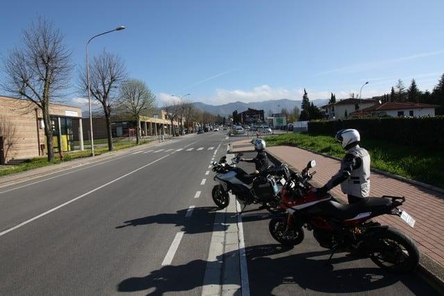 In prossimità della partenza del Circuito stradale del Mugello, l'abitato di Scarperia. non molto da vedere, in verità, solo uno scatto per dovere di cronaca.