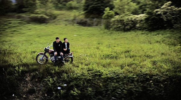 """Paul Fusco: Il """"Funeral Train"""" di RFK. USA, giugno 1968. © Paul Fusco/Magnum Photos/Contrasto"""