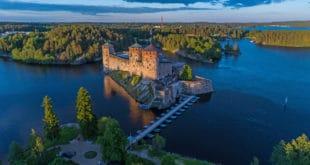 Olavinlinna_castle_Savonlinna