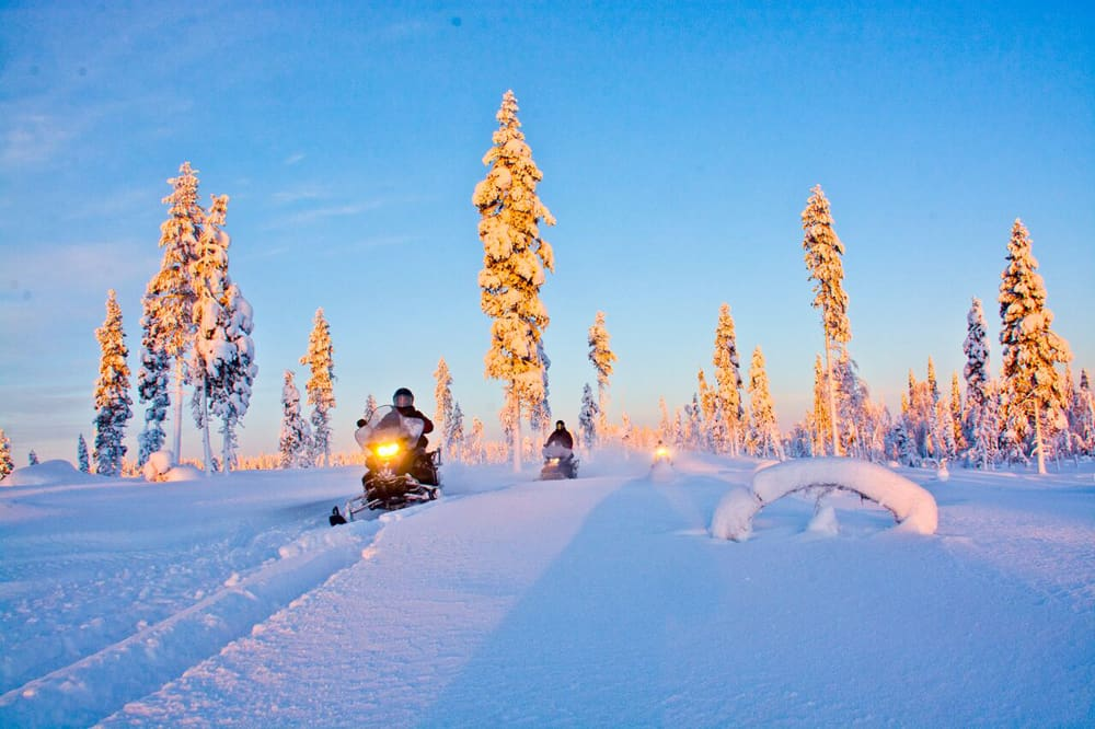 In motoslitta nella Lapponia svedese, ma non solo...