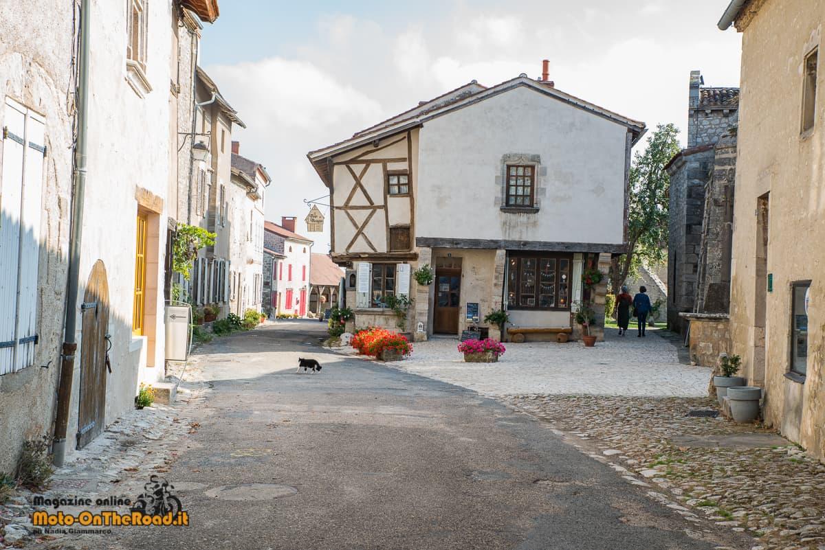 Charroux - Maison a Colombages