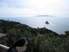 Argentario, belvedere; isola Argentarola, sullo sfondo isola del Giglio e Giannutri