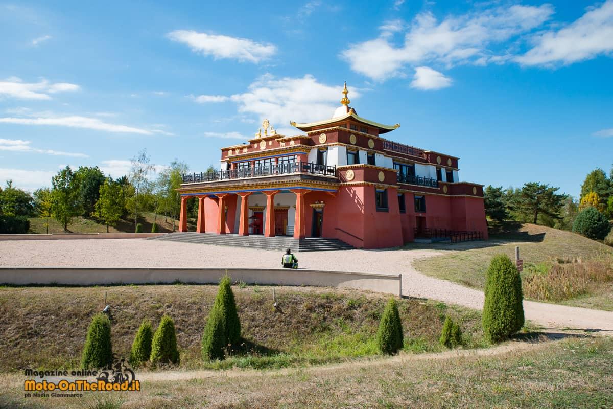 Itinerario in Alvernia - Biollet - tempio buddista