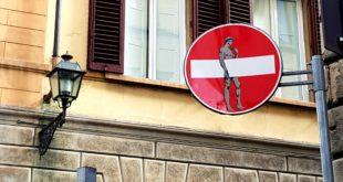 Firenze - Segnali stradali Clet
