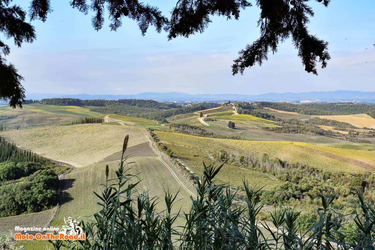 Il paesaggio de Il Classico in Moto.