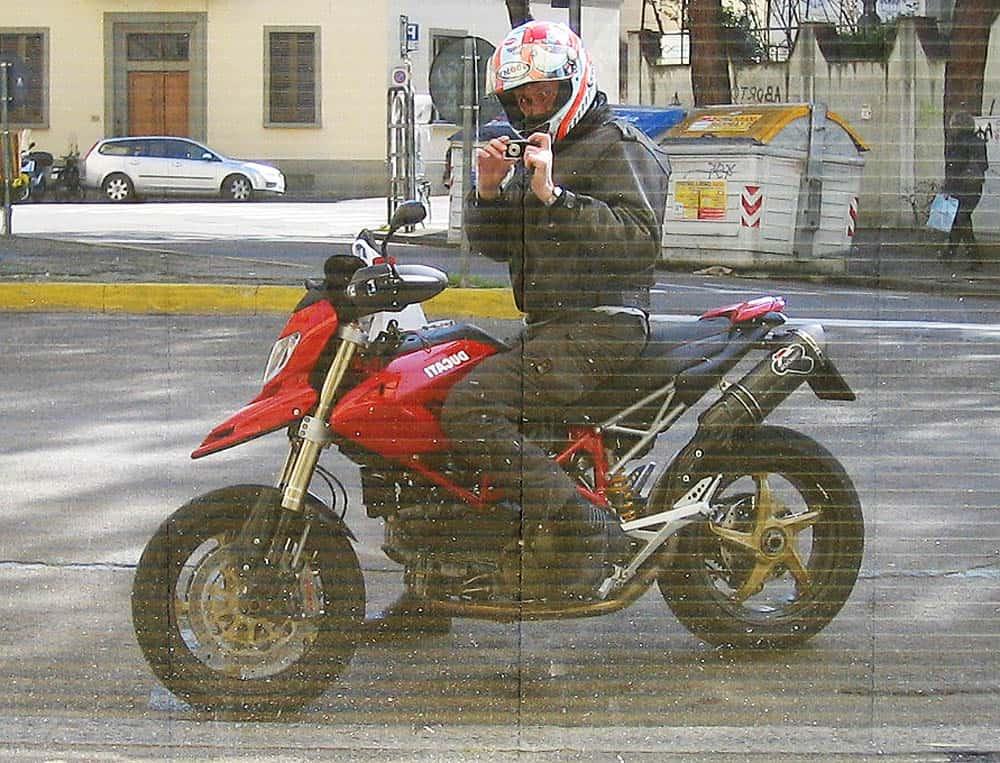 fotografare motociclisti narciso